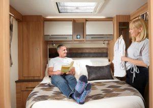 Alicanto Grande - Couple in bedroom